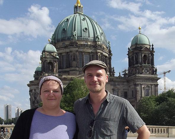 Anja und Jasper vor Berliner Dom